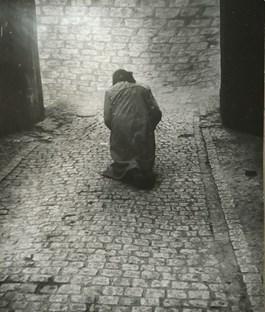 do salonu artysty Andrzej Różycki pod tytułem Modlitwa