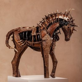Rzeźba do salonu artysty Kamila Karst pod tytułem CATAPHRAKTOS
