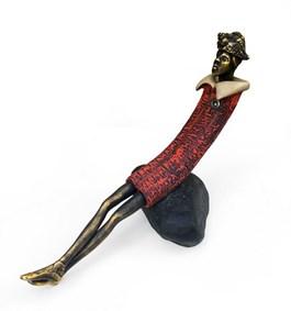 Rzeźba do salonu artysty Krzysztof Kizlich pod tytułem Girl with a shell