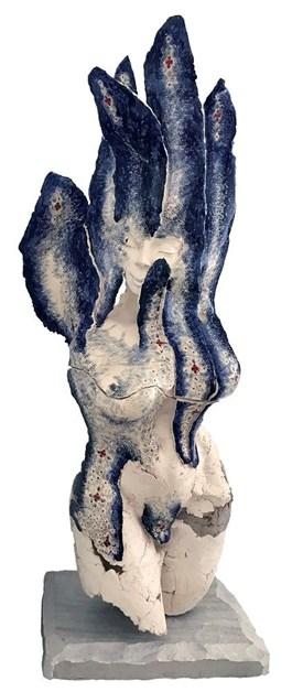 Rzeźba do salonu artysty Jacek Opała pod tytułem ROZKWITŁAM BLUE