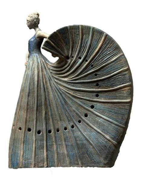 Rzeźba do salonu artysty Marta Wasilczyk pod tytułem Tancerka