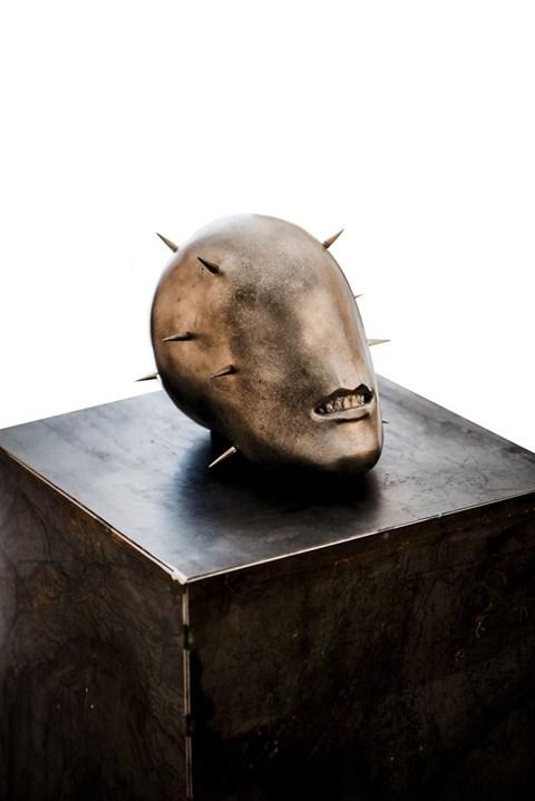 Rzeźba do salonu artysty Tomasz Górnicki pod tytułem Sting Love