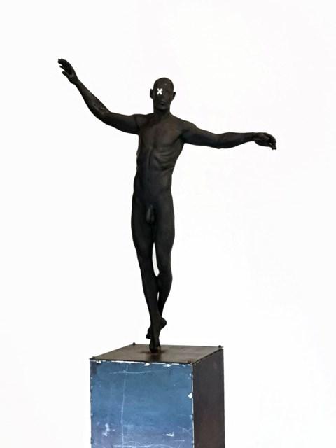 Rzeźba do salonu artysty Tomasz Górnicki pod tytułem False Prophet (2 z 6)