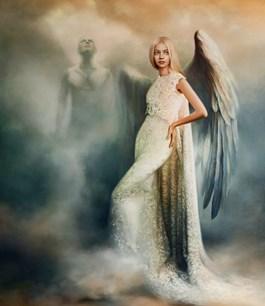 Obraz do salonu artysty Maria  Szypluk pod tytułem Wyniosła anielica