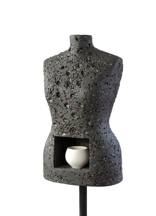 Rzeźba do salonu artysty Monika Dąbrowska-Picewicz pod tytułem Z cyklu Laseroterapia 1