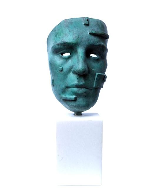 Rzeźba do salonu artysty Waldemar Mazurek pod tytułem Maska 2