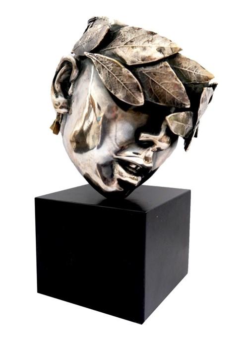 Rzeźba do salonu artysty Katarzyna Bułka-Matłacz pod tytułem Golden Point