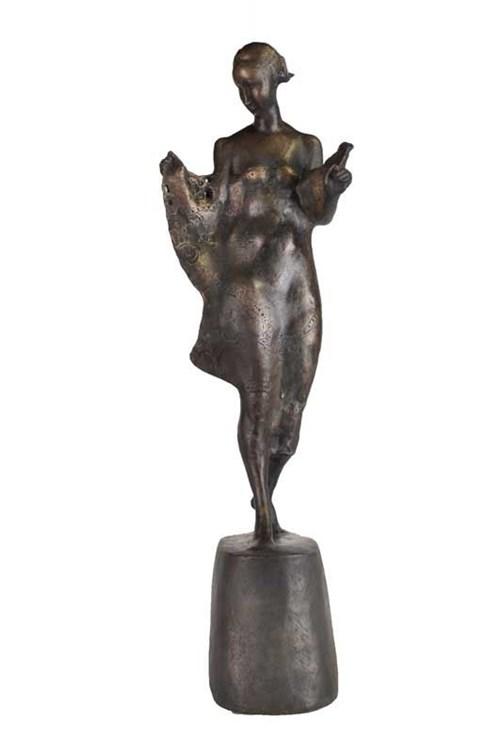 Rzeźba do salonu artysty Jan Kucz pod tytułem Łódzka Szwaczka