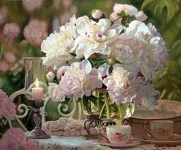 Obraz do salonu artysty Zbigniew Kopania pod tytułem Martwa natura z peoniami i świecą