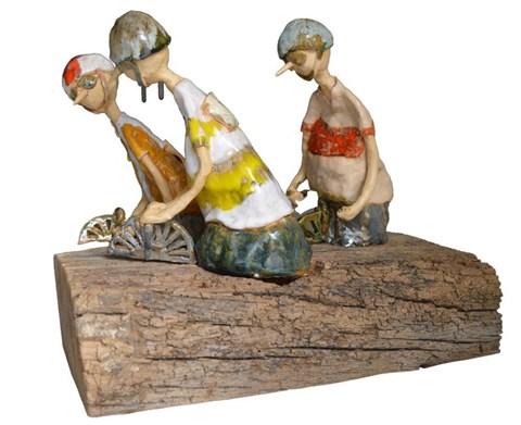 Rzeźba do salonu artysty Małgorzata Piątek-Grabczyńska pod tytułem Cykliści
