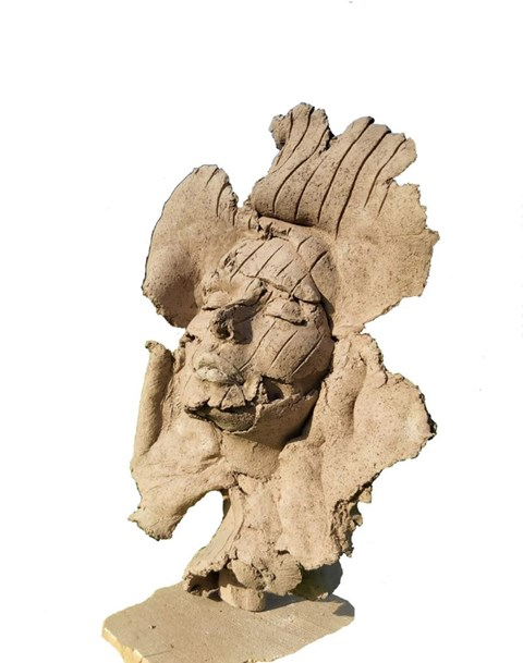 Rzeźba do salonu artysty Jacek Opała pod tytułem Spalona słońcem