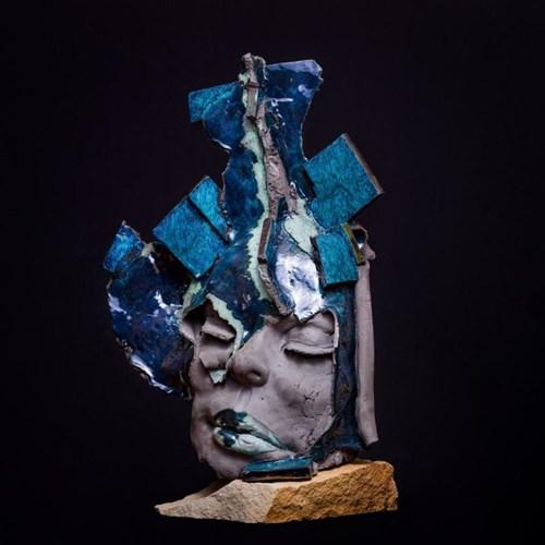 Rzeźba do salonu artysty Jacek Opała pod tytułem Wieczór już się skończył