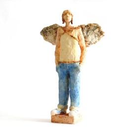 Rzeźba do salonu artysty Arek Szwed pod tytułem Młody Ikar