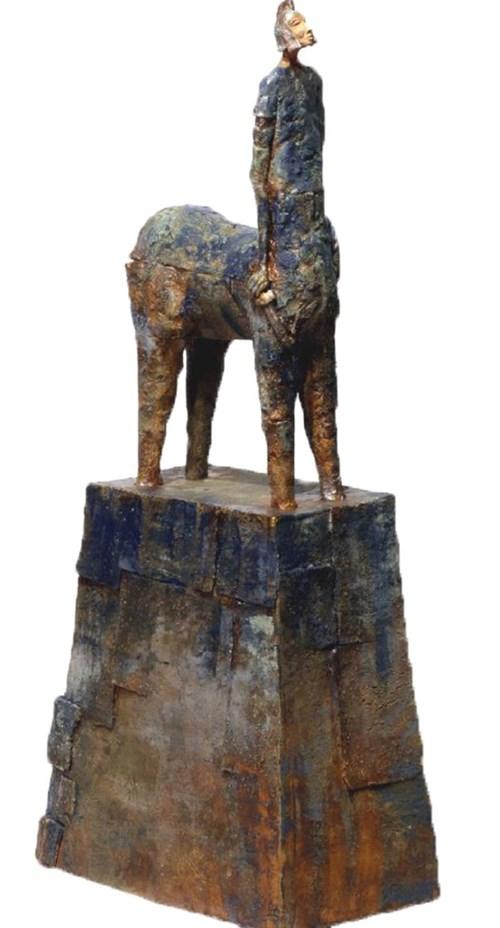 Rzeźba do salonu artysty Arek Szwed pod tytułem Niebieski centaur