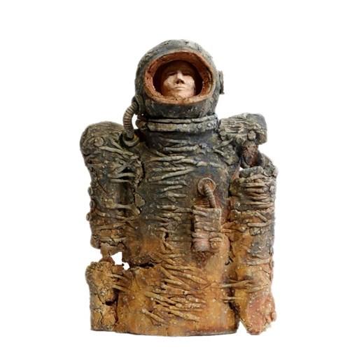 Rzeźba do salonu artysty Arek Szwed pod tytułem Dalej tylko Mars