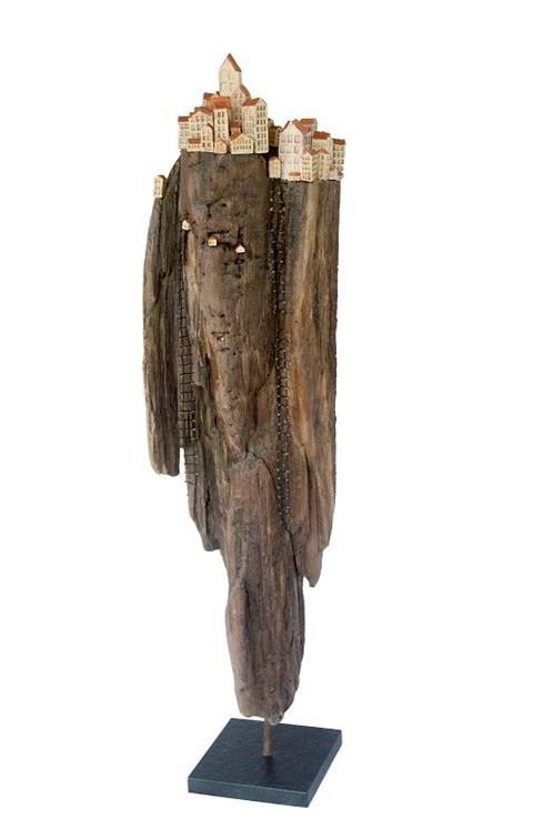 Rzeźba do salonu artysty Anna Luteracka pod tytułem Drabiny szczęścia 62