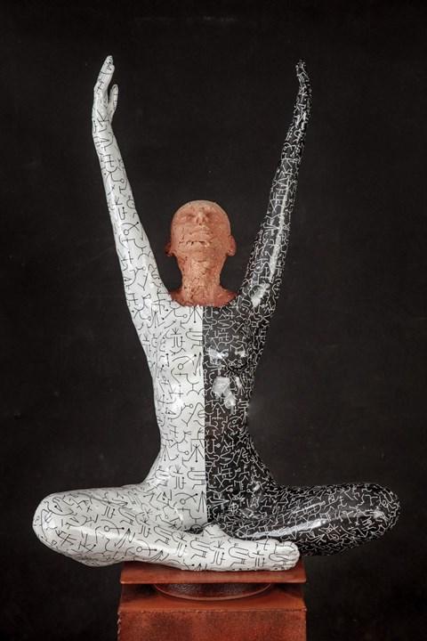 Rzeźba do salonu artysty Marek Zyga pod tytułem The Temperature is Rising