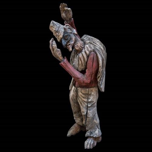 Rzeźba do salonu artysty Marcin Myśliwiec pod tytułem Tajemnica Poliszynela