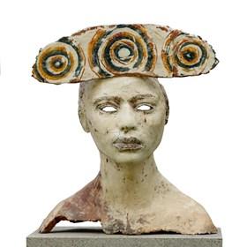Rzeźba do salonu artysty JOANNA BRUŹDZIŃSKA pod tytułem ,,PRZEMIANA''