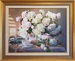 Obraz do salonu artysty Zbigniew Kopania pod tytułem Martwa natura z peoniami i filiżanką herbaty