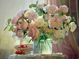 Obraz do salonu artysty Zbigniew Kopania pod tytułem Martwa natura z peoniami i truskawkami