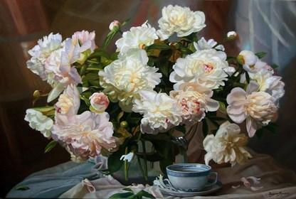 Obraz do salonu artysty Zbigniew Kopania pod tytułem Peonie w wazonie - wieczór