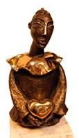 Rzeźba do salonu artysty Lili Fijałkowska pod tytułem Pierrot z serduszkiem w dłoniach