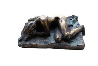 Rzeźba do salonu artysty Piotr Bubak pod tytułem Leżąca