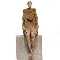 Rzeźba do salonu artysty Arek Szwed pod tytułem Przystanek trzeci
