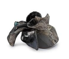 Rzeźba do salonu artysty Joanna Roszkowska pod tytułem CARBON FLOWER