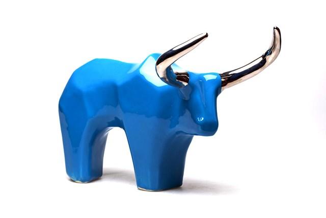 Rzeźba do salonu artysty Jakub Niewdana pod tytułem Krowa Ankole-Watussi 45/2020